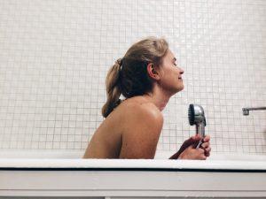 女性とシャワー